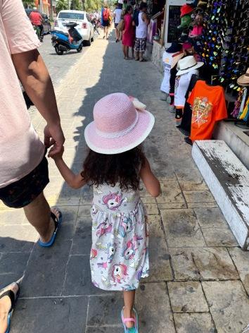 isla mujeres shops